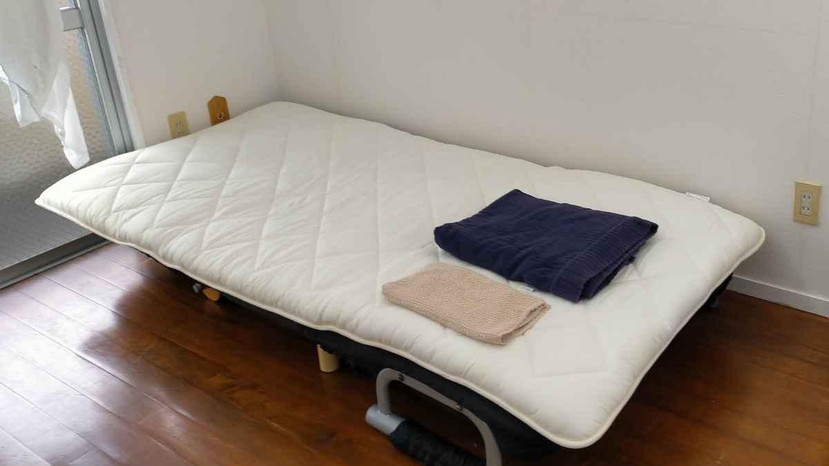 布団なしでもぐっすりと眠れた話と、ベランダで寝るのは中止した件