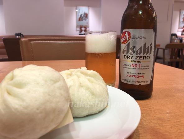 福島の551蓬莱レストランで豚まんとビール