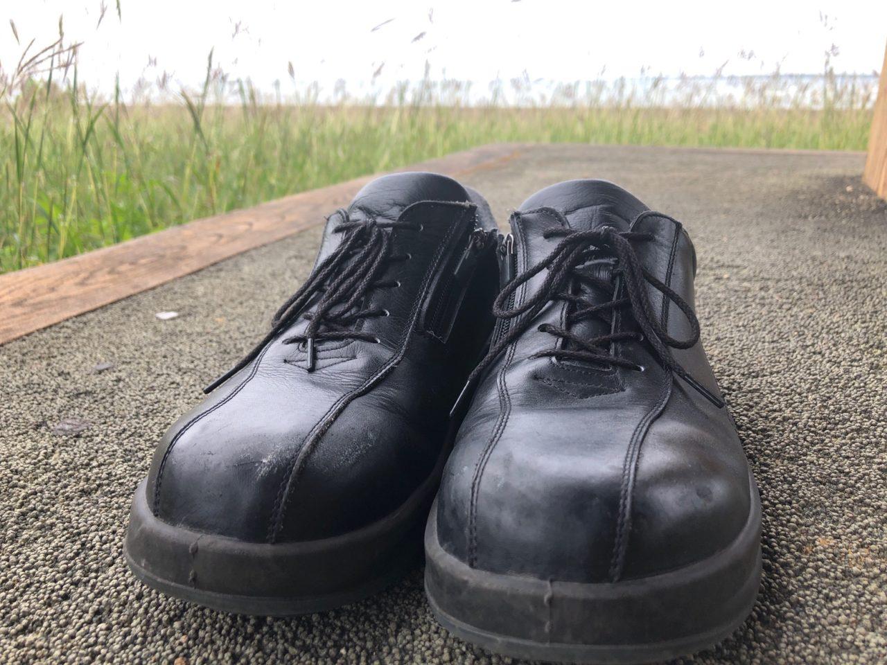 安全靴&スーツでおしゃれに出張!履き替え不要で荷物が減少しミニマリストにピッタリ