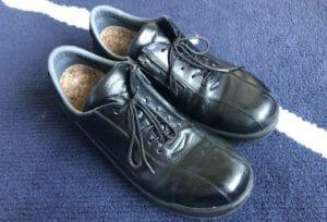 安全靴だけどスーツにもあう