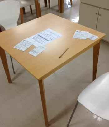 家具のリサイクル展のテーブル