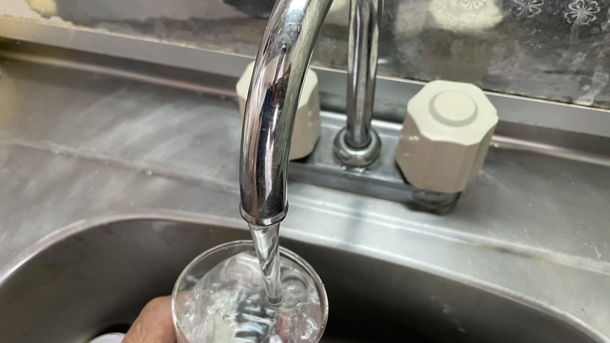 水道水を飲んでミニマリスト活動とエコ活動する暑い夏