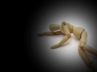 突然の孤独死で遺体を早く発見してもらうには